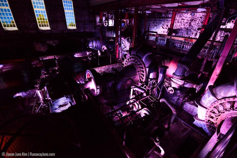 Immersive Multimedia Show in grinder room