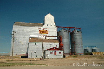 Grain elevator in Assiniboia, Saskatchewan - agricultural scene in southern Saskatchewan. © Rob Huntley