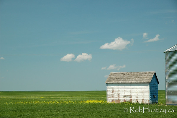 Old shed - agricultural scene in southern Saskatchewan. © Rob Huntley