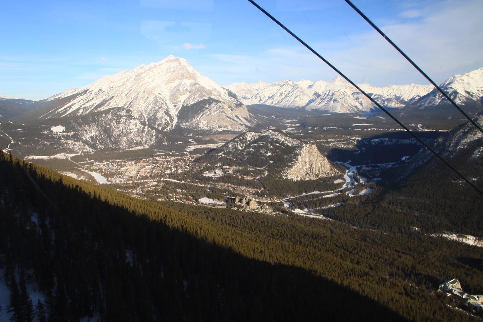 98. Banff National Park  Hillman Wonders Page<br> http://www.hillmanwonders.com/banff/banff.htm  Banff and Lake Louise Galleries<br> http://www.rishisankar.com/Travel/Canada/Sulphur-Mountain-Gondola-2012/20874072_LNLxNV<br>  http://www.rishisankar.com/Travel/Canada/Banff/20845804_68RztM