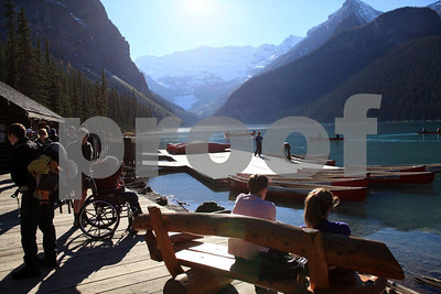 Lake Louise boat house 5007