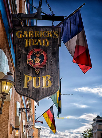 Garrick's pub sign 3288 3289 CF
