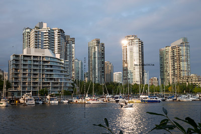 Vancouver buildings_boat water2095