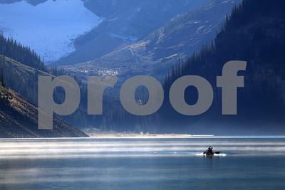 Lake Lousie canoe 5020