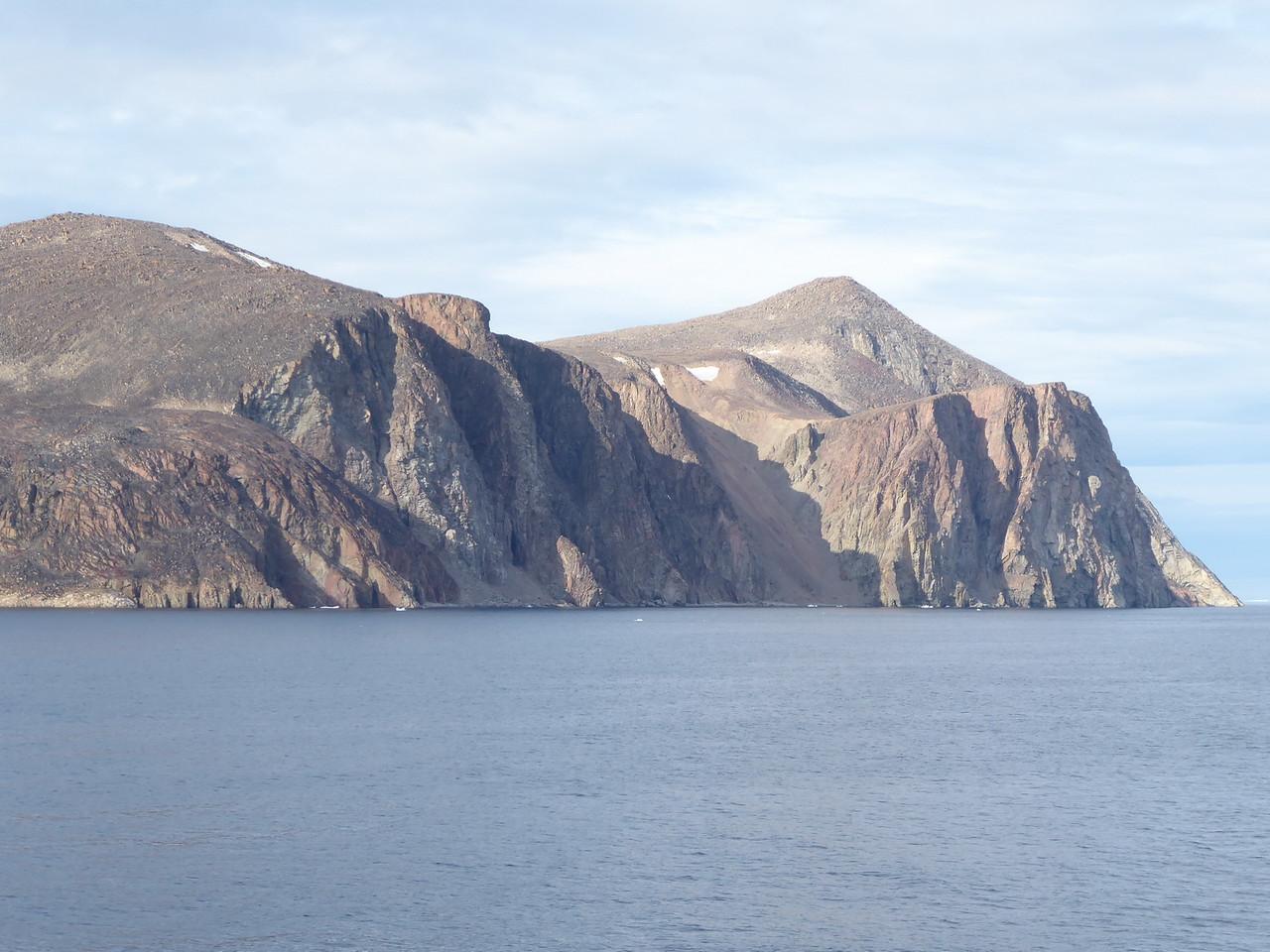 The bay near Qikiqtarjuaq.