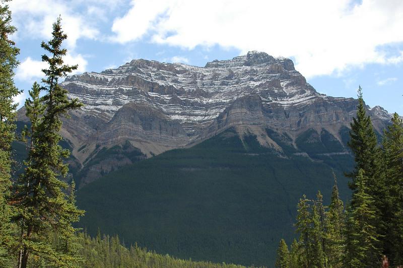 The mountains around Athabasca Falls