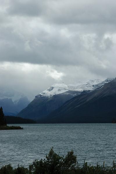 The mountains around Maligne Lake