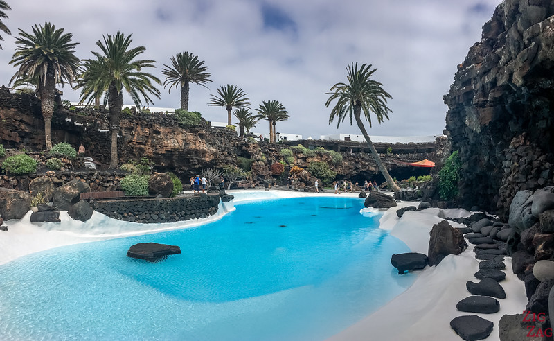 Lanzarote Points of Interest - Amazing swimming pool between walls of lava