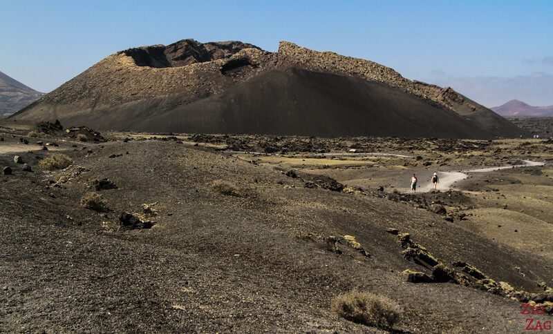 Things not to be missed in Lanzarote - Montana Cuervo walk around a volcano