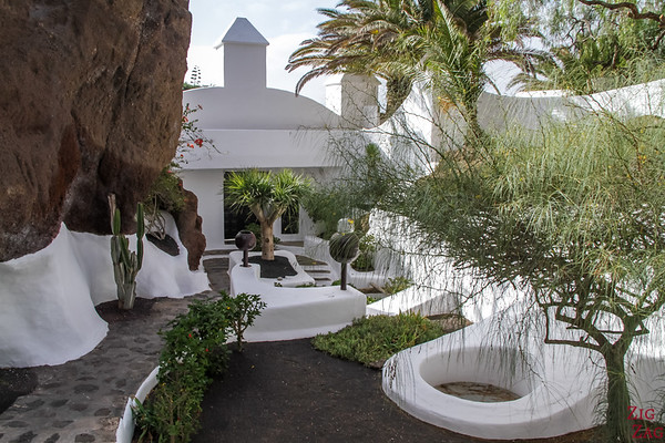 Best attractions in Lanzarote by César Manrique - Lagomar visit