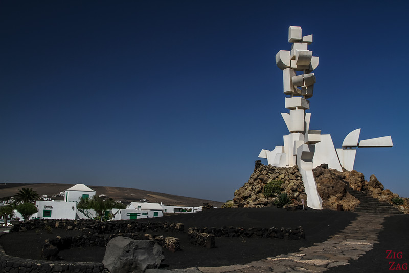 Al Campesino by César Manrique Lanzarote - White sculpture