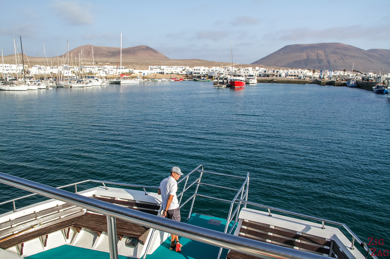 best places to staynear Lanzarote - La graciosa