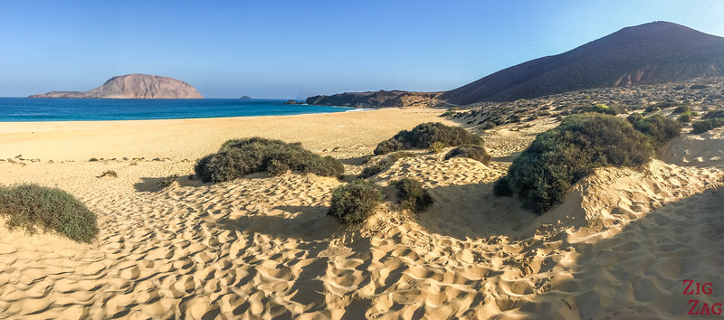 Playa de Las Conchas Beach La Graciosa 2