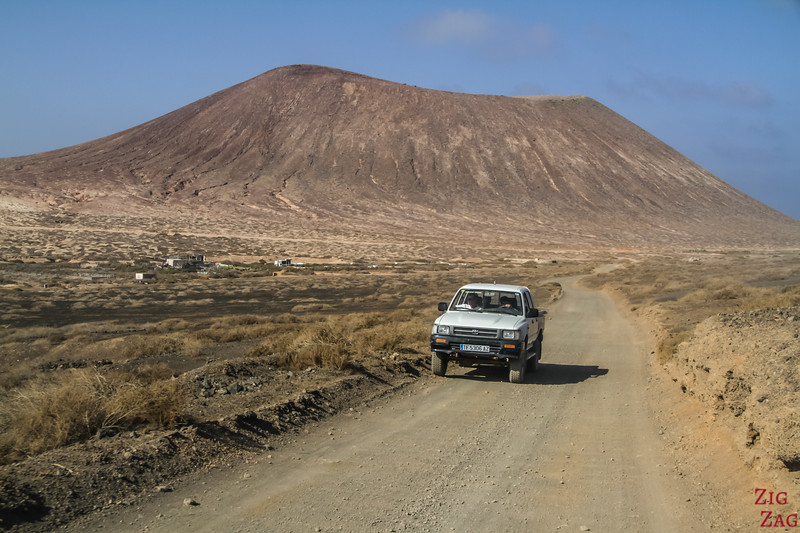 4WD tracks on La Graciosa
