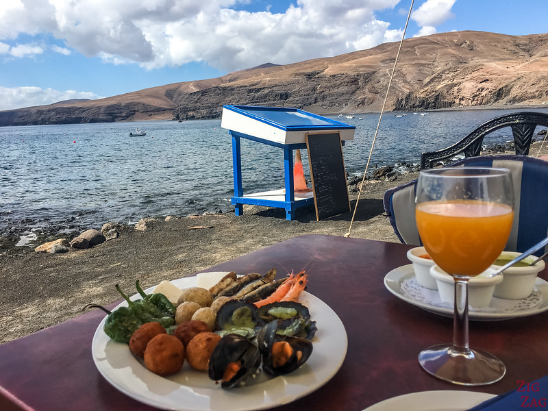 What to do in Lanzarote - seafood at Playa Quemada