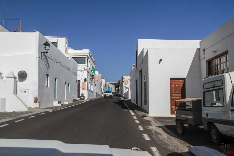 Driving in Lanzarote's towns 3