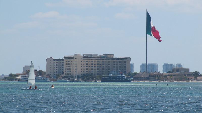"""Cancun, Hacia """"Islas Mujeres""""."""