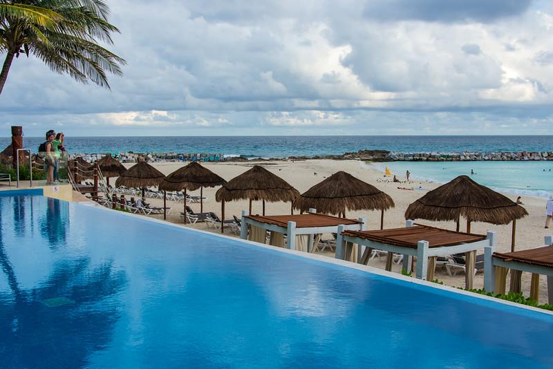 Infinity pool at Krystal Grand Resort, Cancun, Mexico - December 2015