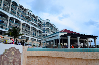 Pelicano's Restaurant and Swim-up Bar At The Royal Cancun