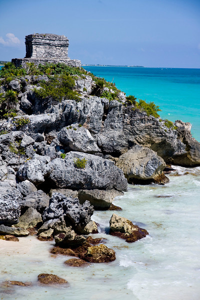 Mayan ruins & the Caribbean sea.