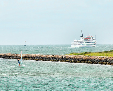 Hyannis Harbour , Hy Line Ferry