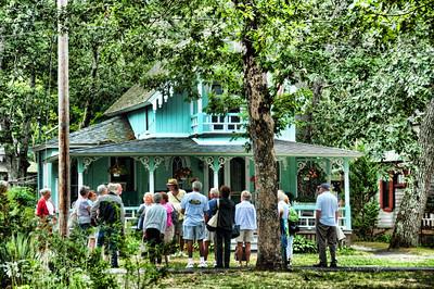 Martha's Vineyard Cottages & tour group