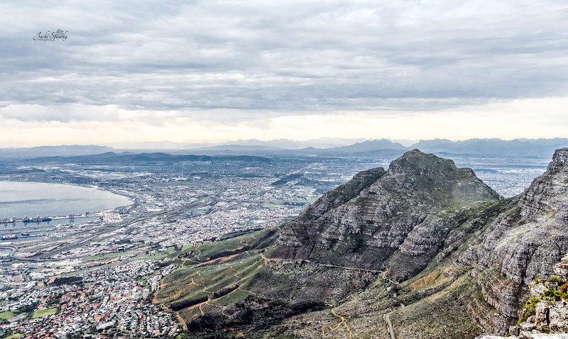 20190514-42 Cape Town Table Mtn, View towards Table bay looking North
