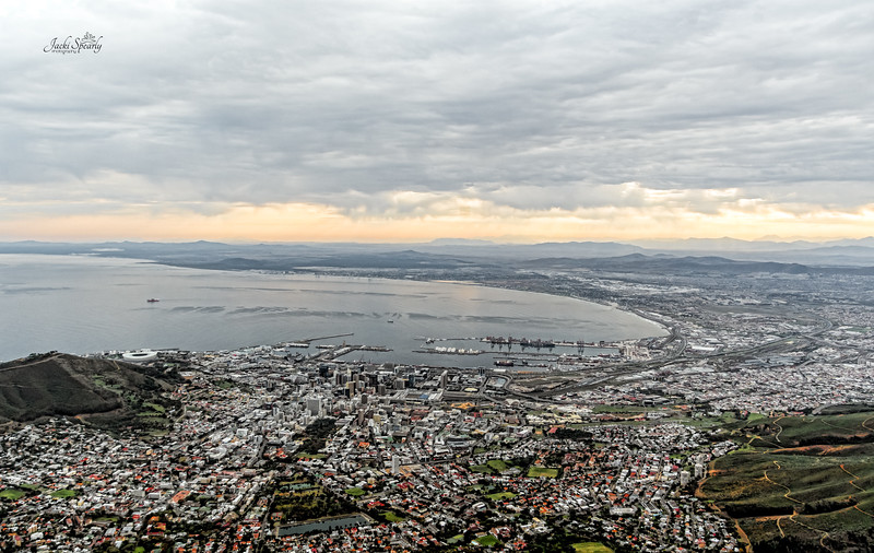 20190514-38 Cape Town Table Mtn, View of V & A Waterfront and Table Bay