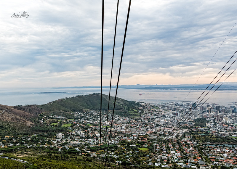 20190514-34 Cape Town Table Mtn, Going up in the Gondola Edit