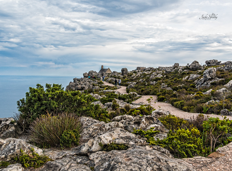 20190514-108 Cape Town Table Mtn, walking path on western side towards cafe