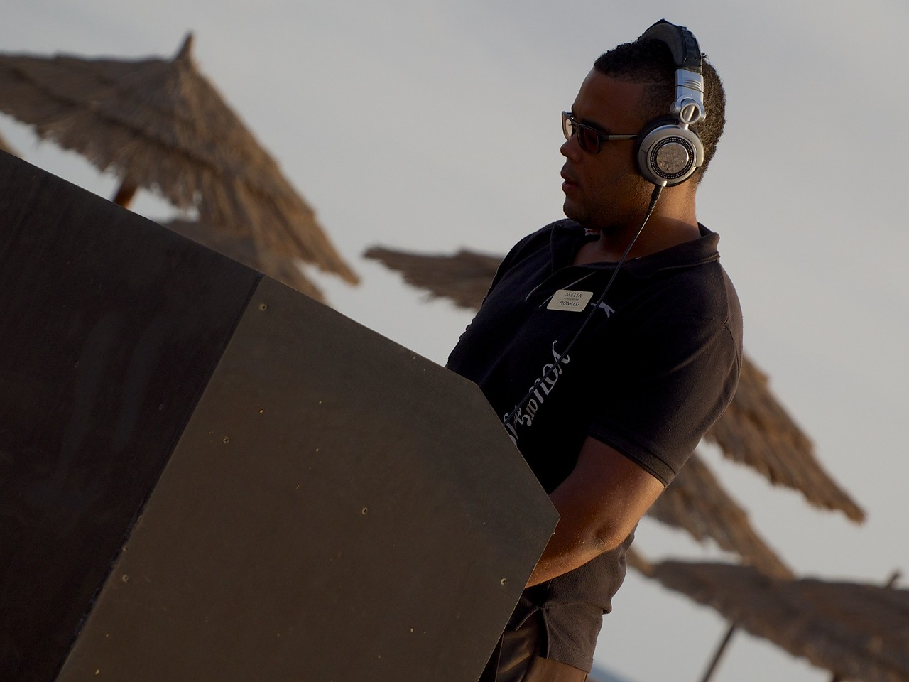 Sunset DJ sets the ambience with chill out numbers at the Melia Tortuga. Watch, listen & drink Moet......paradise.