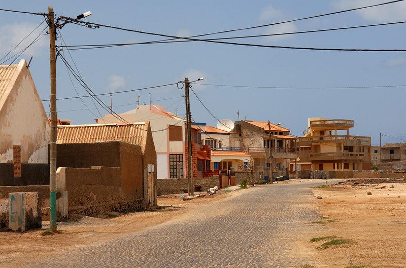 Baia das Gatas village.