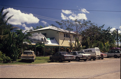 A quick stop at the Daintree village before crossing the river.