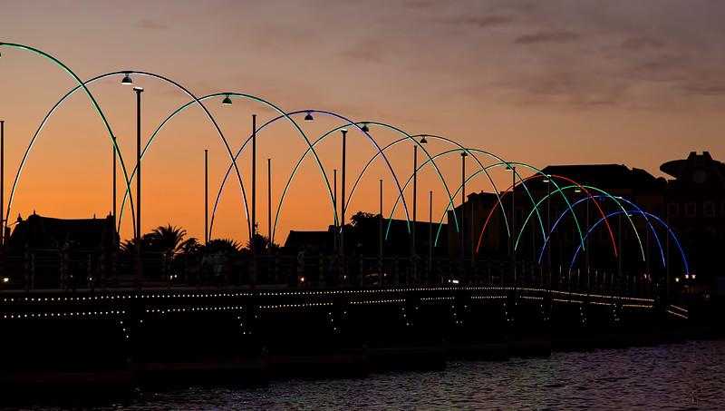 Queen Emma Pontoon Bridge, Curacao