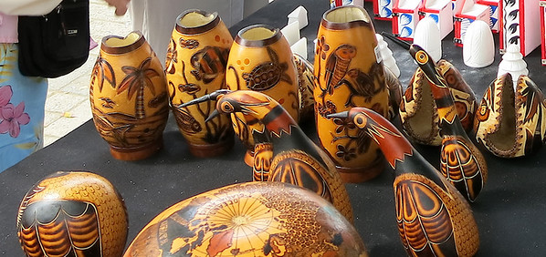 Hanicrafts made from gourds