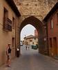 Old city gate at Mansilla des las Mulas.