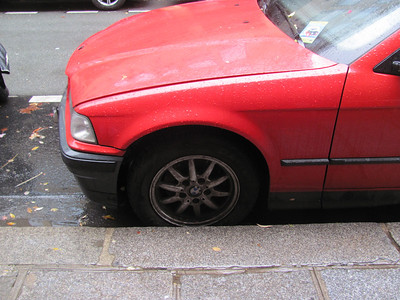 European-brake-style brake dust all over the rims of most vehicles in France.  They stop well but wear out quickly.