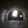 El segundo motivo y el mas oscuro que puso a Dunnottar en la historia escocesa ocurrion en este lugar, Whigs' Vault, cuando 167 prisioneros Covenantes. 122 hombres y 45 mujeres, fueron encerrados en Whigs' Vault por no reconocer el nuevo libro de oracion en particular y por no reconocer la supremacia del Rey en general. Los 167 estuvieron encerrados desde el 24 de mayo de 1685 hasta fines de Julio. Se sabe que 37 fueron liberados luego de jurar reconocer al Rey, 25 escaparon de los cuales 15 fueron recapturados y 2 cayeron por el precipicio.