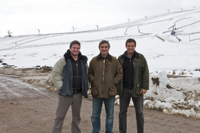 Este es un centro de ski que queda a 20 minutos de auto de la destileria Glenlivet. El centro de ski se llama Lecht y aca paramos a almorzar. Eramos los unicos sin ropa de ski.