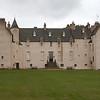 Drum Castle, es posiblemente uno de los castillos ocupados mas antiguos de Escocia. Casa de la familia Irvine por mas de seis siglos y medio, por 24 generaciones de ininterrumpidas sucesiones.