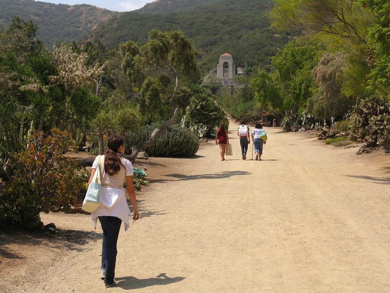 Walking up through the Botanical Gardens to the Wrigley Memorial.