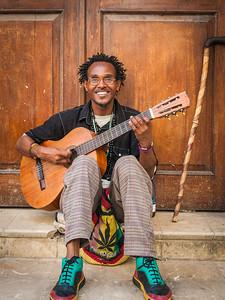 Busker ... Havana Viejo