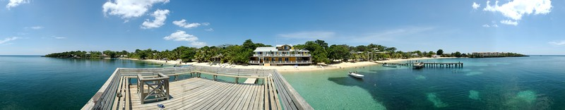 360° panorama of Half Moon Bay, West End, Roatan, Honduras. The original image dimensions are 14790 × 2893 (42.8 megapixels)