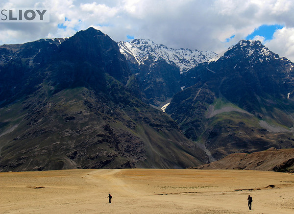 Badakhshan province is basically part of the Pamirs, a place we'd just been spending lots of time in before arriving in Afghanistan. Still, the stunning landscapes all around were a really welcome environment to spend a few days in!