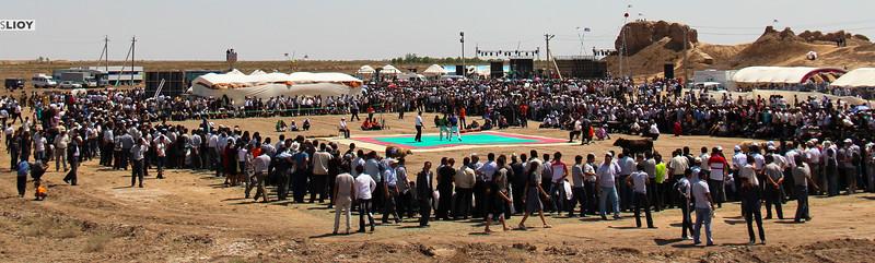 Traditional wrestling at the Elliq Qala for Arslar Sadosi Festival