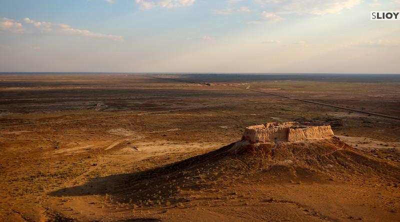 Castle in the deserts of the Elliq Qala