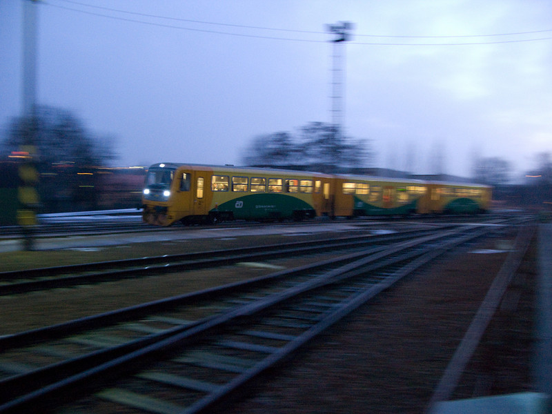 České dráhy railcars arrive at Praha-Ruzyně.