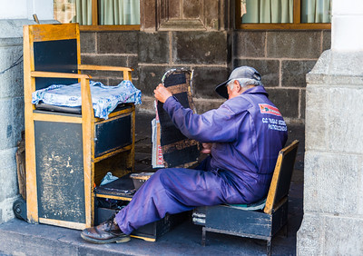 Maintaining the Shoeshine Stand