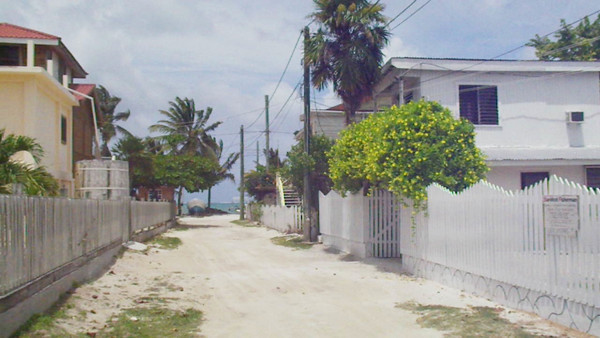 Just how big is Caye Caulker?