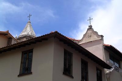 Casco Viejo - Two Crosses